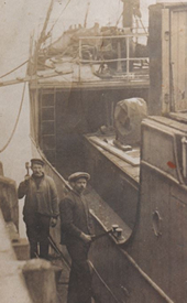 Oldest known photo of Vaerdalen of 2 sailors painting in 1916. 25 years old ship.