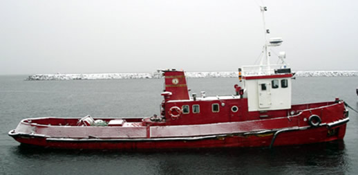 Tugboat for almost 130 years. Oscarsborg at Kvithyll in Rissa, January 2005.